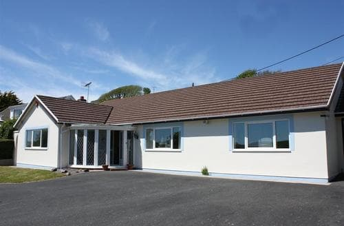 Last Minute Cottages - Bro Dawel