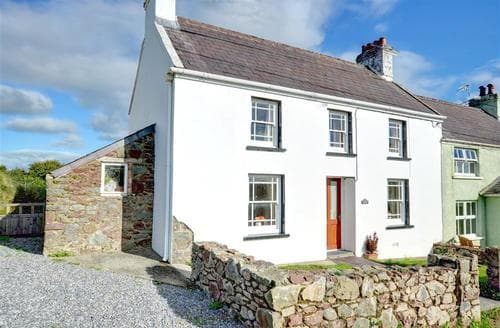 Last Minute Cottages - Gorgeous Llangwm Cottage S59737