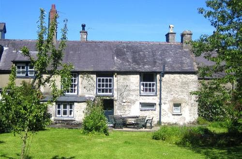 Big Cottages - Cosy Moelfre Rental S11346