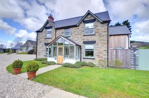 Last Minute Cottages - Captivating Corwen Lodge S46096