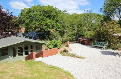 Last Minute Cottages - Cosy West Cornwall Lodge S34850