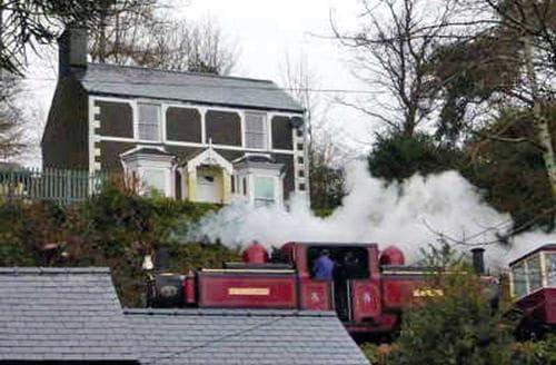 Last Minute Cottages - Bron Gwynedd