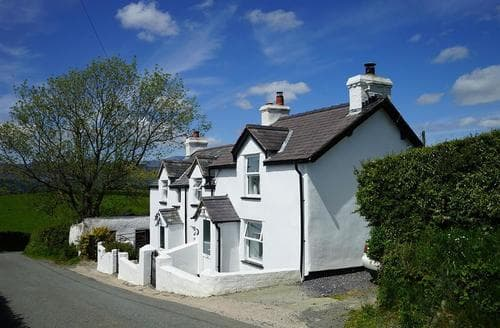 Last Minute Cottages - Gorgeous Conwy Valley Cottage S26963