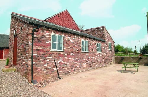 Last Minute Cottages - The Stables - 18936