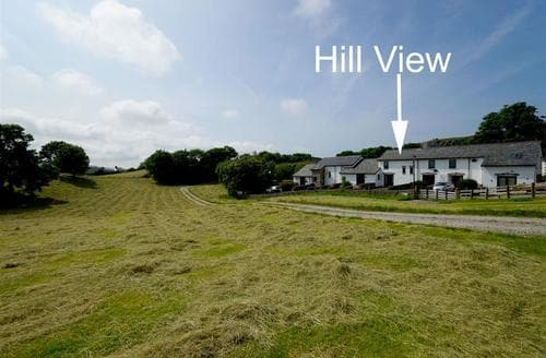 Last Minute Cottages - Hill View