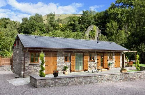 Last Minute Cottages - Splendid Clydach Cottage S40107