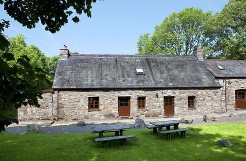 Last Minute Cottages - Luxury Ystradgynlais Cottage S40179