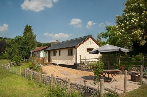 Last Minute Cottages - Excellent Lower Chapel Cottage S40262