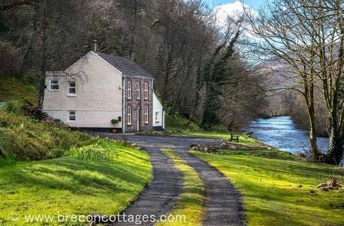 Last Minute Cottages - Attractive Ystradgynlais Cottage S57732