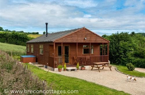Last Minute Cottages - Delightful Clyro Lodge S57735