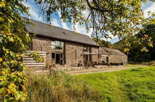 Last Minute Cottages - Penrhyn Barn