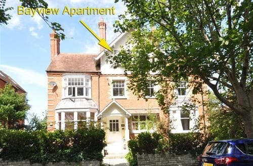 Last Minute Cottages - Bayview Apartment