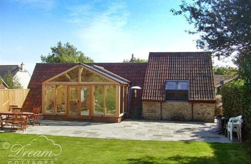 Last Minute Cottages - Inviting Weymouth Cottage S43416