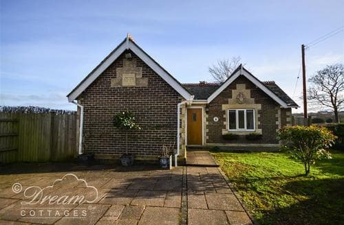 Last Minute Cottages - Frome Lodge House
