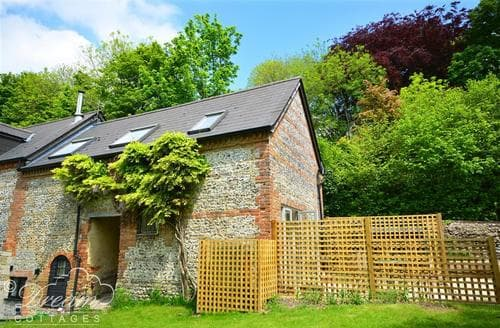 Last Minute Cottages - Little Mill