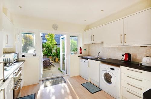 Last Minute Cottages - Wonderful Weymouth Cottage S77845