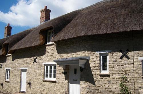 Last Minute Cottages - Lovely Lulworth Cottage S43292