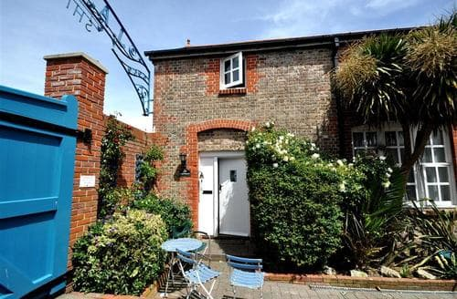 Last Minute Cottages - Adorable Weymouth Cottage S43376