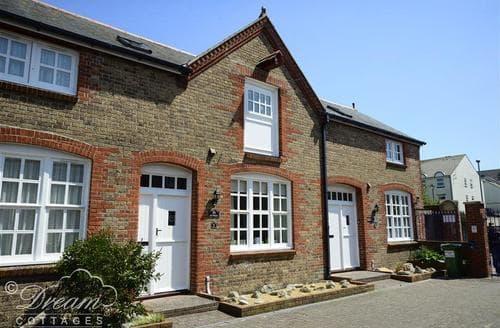 Last Minute Cottages - Rupert Cottage