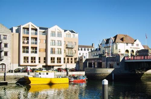 Last Minute Cottages - Inviting Weymouth Apartment S43248