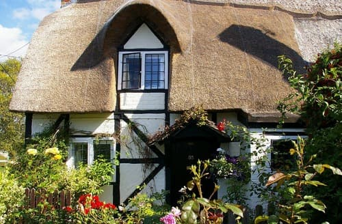 Last Minute Cottages - Small Cottage