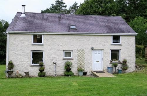 Last Minute Cottages - Cwmddol Fawr Cottage