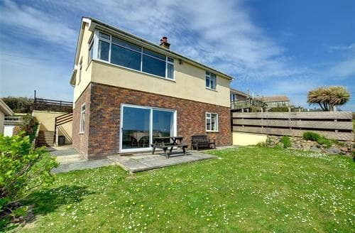 Big Cottages - Attractive Newgale Apartment S11401