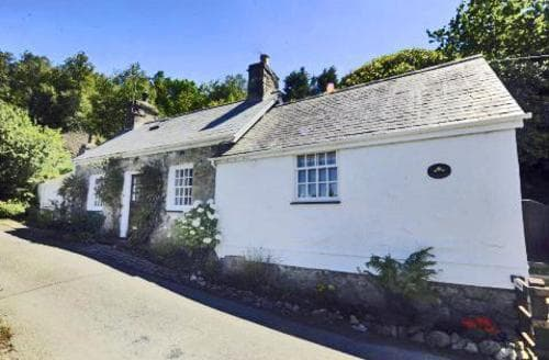 Last Minute Cottages - Quaint Llanbedrog Lodge S73694