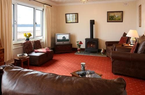 Last Minute Cottages - Gorgeous Amroth Apartment S43744