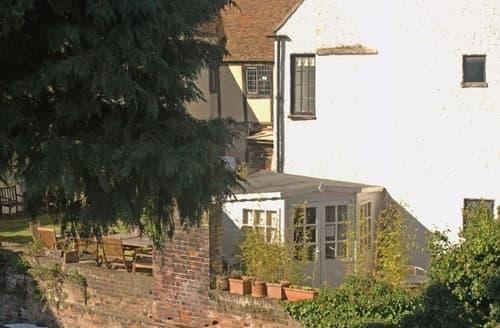 Last Minute Cottages - Beautiful Canterbury Apartment S13593