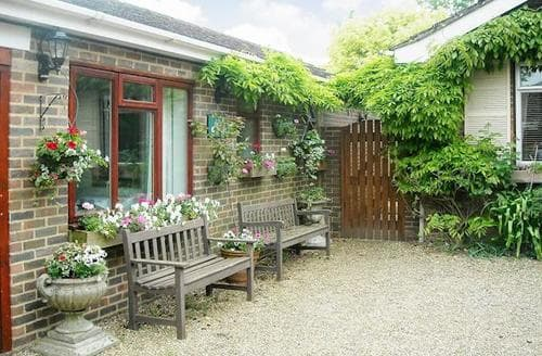 Last Minute Cottages - The New Coach House