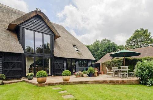 Big Cottages - Tasteful Canterbury Cottage S45321