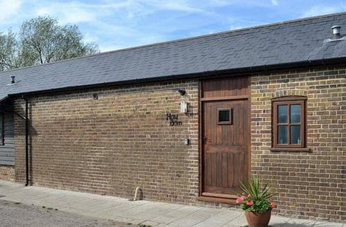 Last Minute Cottages - Tasteful Whitstable Cottage S13681