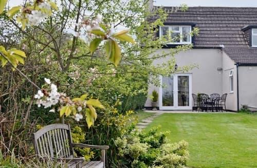 Last Minute Cottages - Tasteful Chippenham Cottage S13696