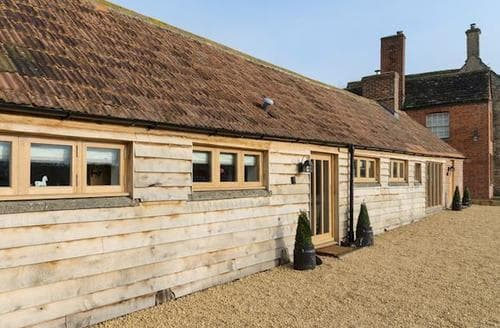 Last Minute Cottages - Stunning Chippenham Cottage S77259