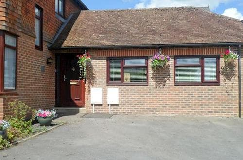 Last Minute Cottages - Exquisite Marlborough Cottage S44005