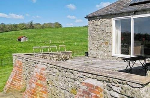 Last Minute Cottages - Quaint Mere Cottage S13722