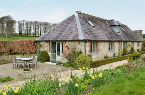 Last Minute Cottages - Superb Mere Cottage S26228