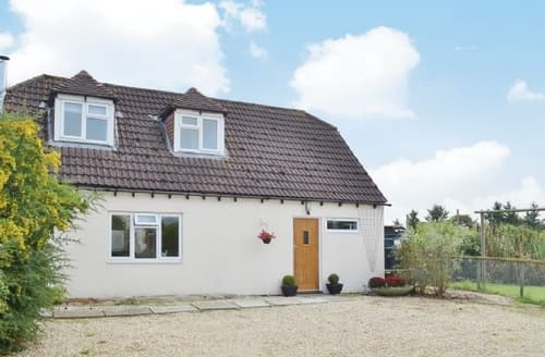 Last Minute Cottages - Superb Royal Wootton Bassett Cottage S13746