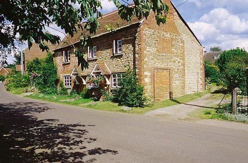 Last Minute Cottages - Elwyns Cottage