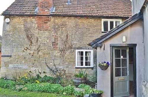 Last Minute Cottages - Luxury Trowbridge Cottage S13747