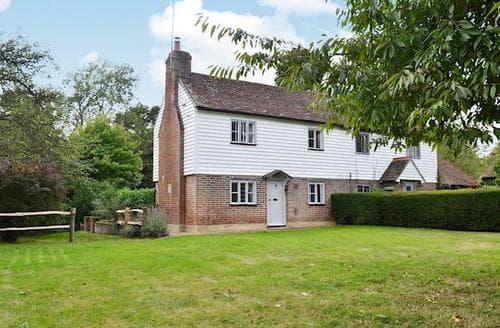 Last Minute Cottages - Captivating All Surrey Cottage S60606