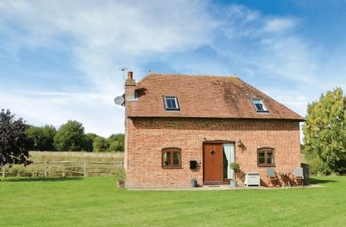 Last Minute Cottages - Exquisite Arundel Lodge S13783