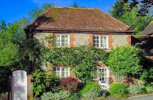 Last Minute Cottages - Quaint Arundel Cottage S41272