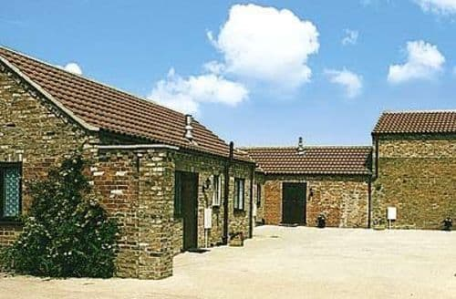 Dog Friendly Cottages - THE COURTYARD