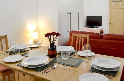 Last Minute Cottages - Superb Brockenhurst Apartment S72417