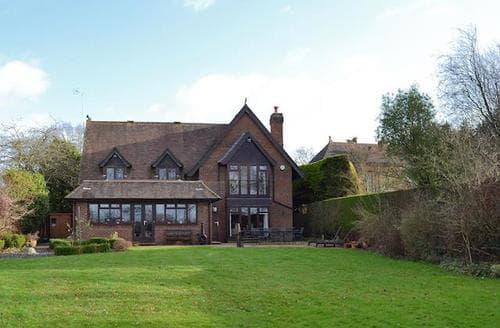 Big Cottages - Tasteful Brockenhurst Cottage S76906