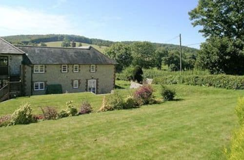 Last Minute Cottages - Attractive East Meon Cottage S14086