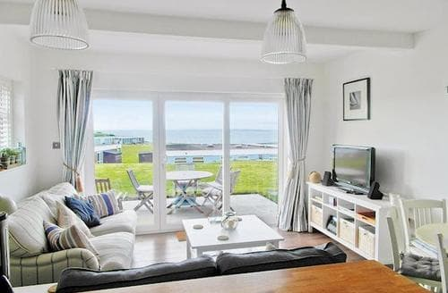 Last Minute Cottages - SOLENT VIEW