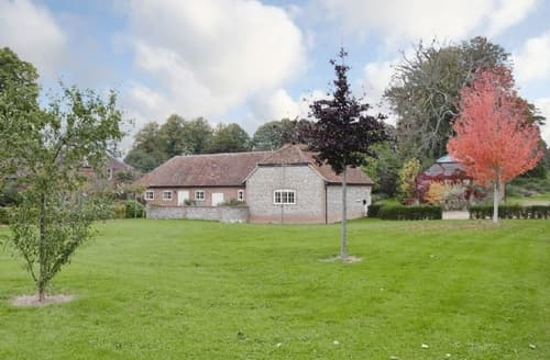 Big Cottages - Beautiful East Meon Cottage S42610